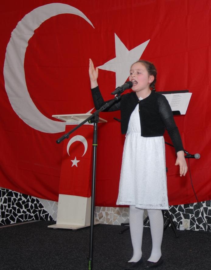 İtiklal Marşı Okuma Yarışması Gönüllerin birincisi Esra Özal Arnhem (8)