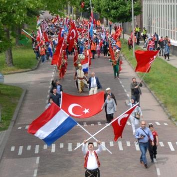 Arnhem Türk Festivali Yürüyüşü (3)