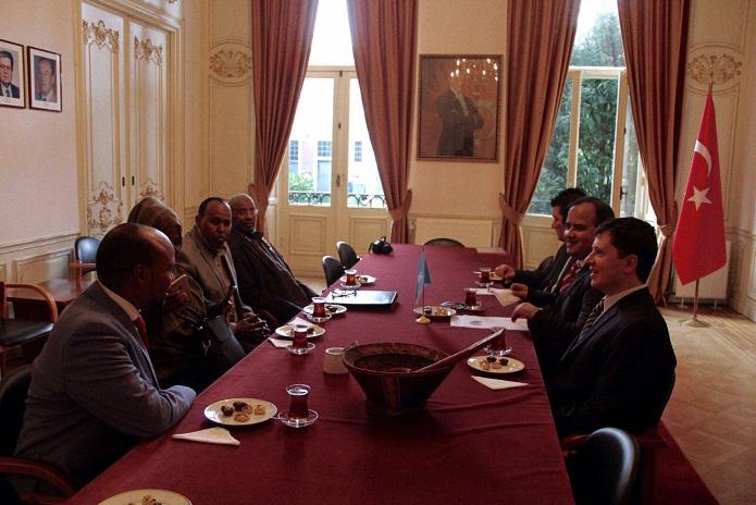 somalililer elciligimizi ziyaret etti1